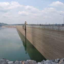 Khlong Tha Dan Dam is the biggest dam in Thailand