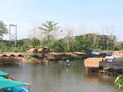 Restaurants by the river in Nakhon Nayok